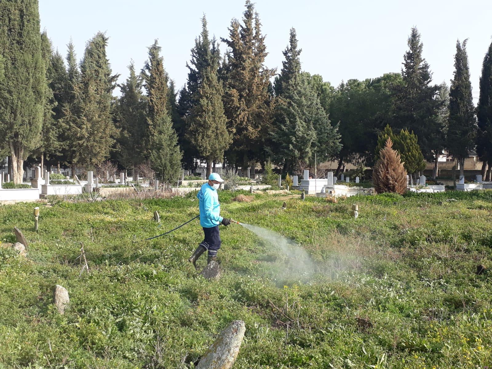 Manisa'da Mezarlıklarda Bahar Temizliği Başladı
