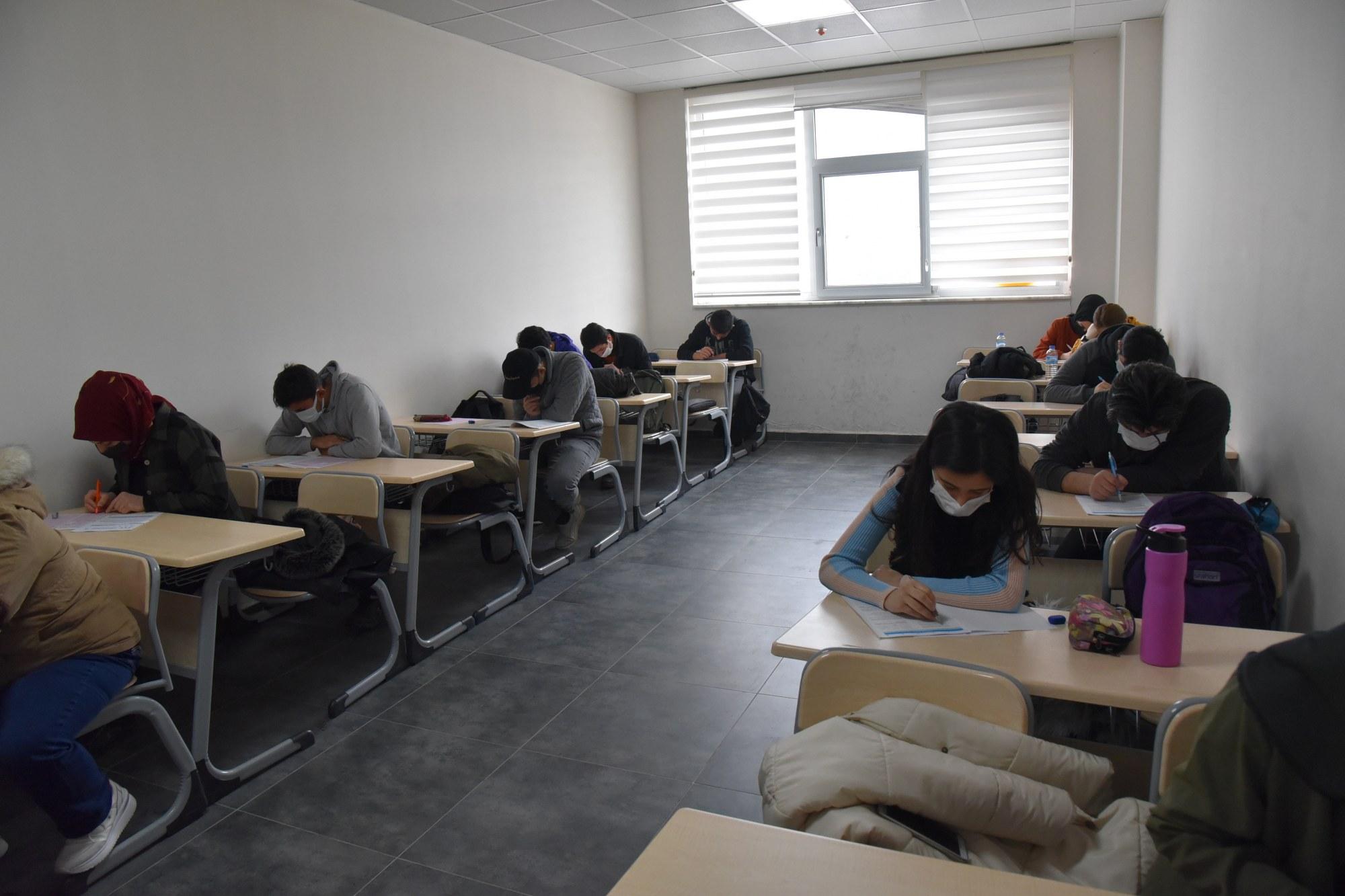 Manisa YEGEM'de Bursluluk Sınavı Yapılacak