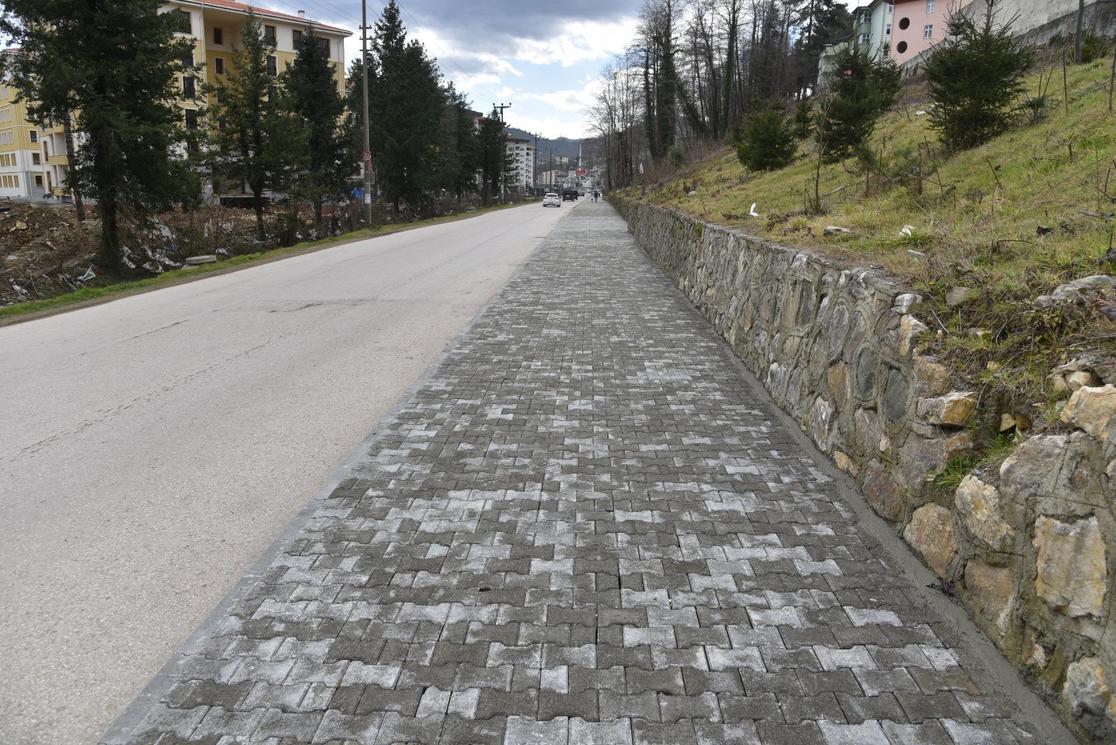 Giresun'da Bir Kilometrelik Yeni Kaldırım Çalışması Devam Ediyor