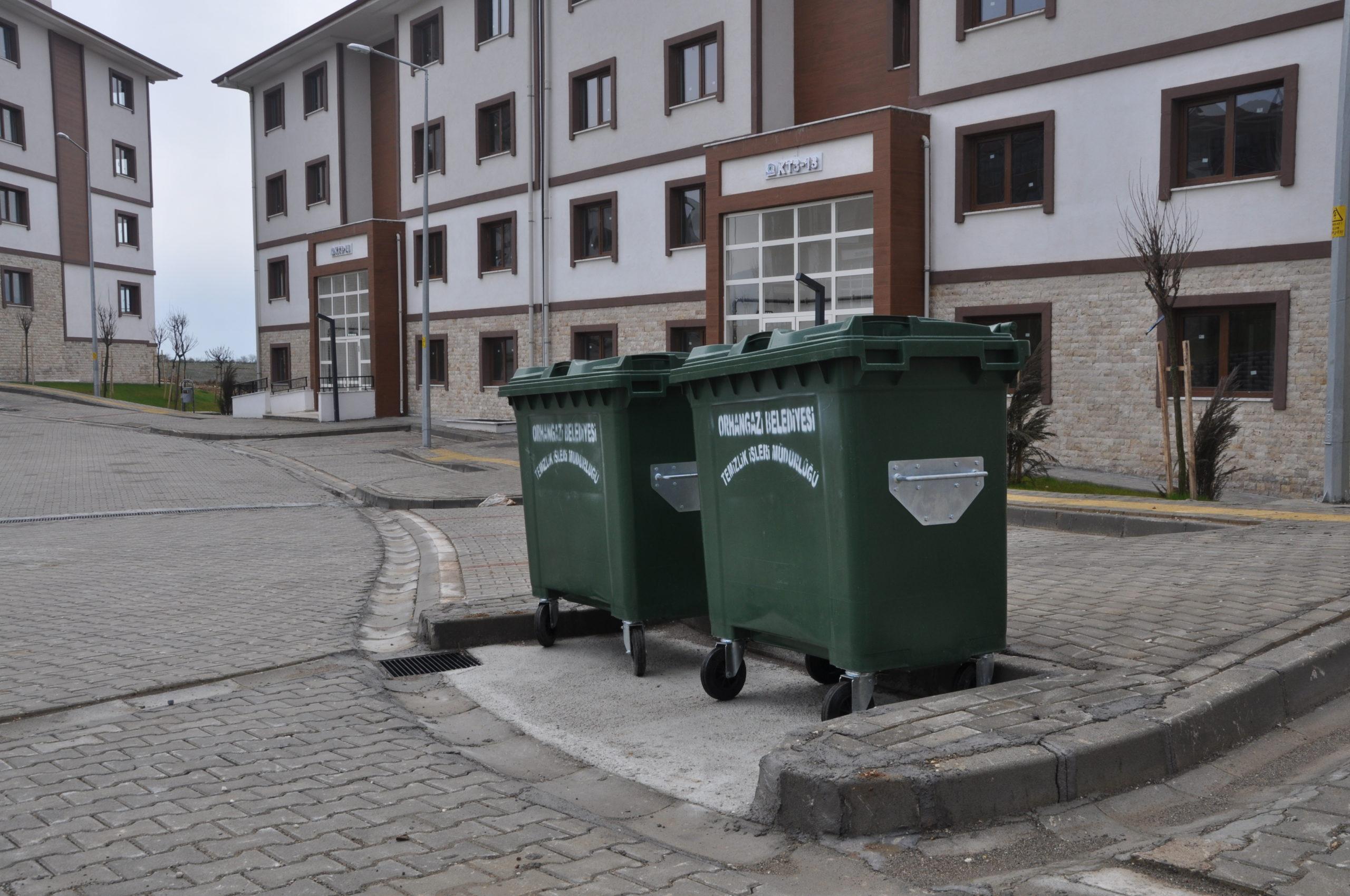 Orhangazi'de TOKİ Bölgesine Çöp Konteynerleri Konuldu