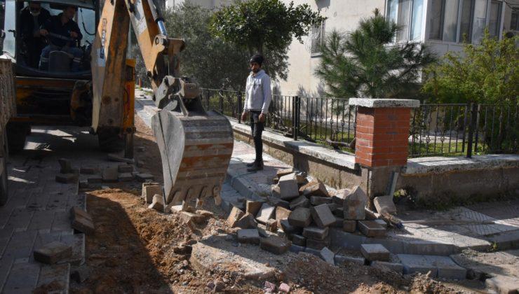 Yunusemre'de Kaldırım Onarım Çalışmaları Devam Ediyor
