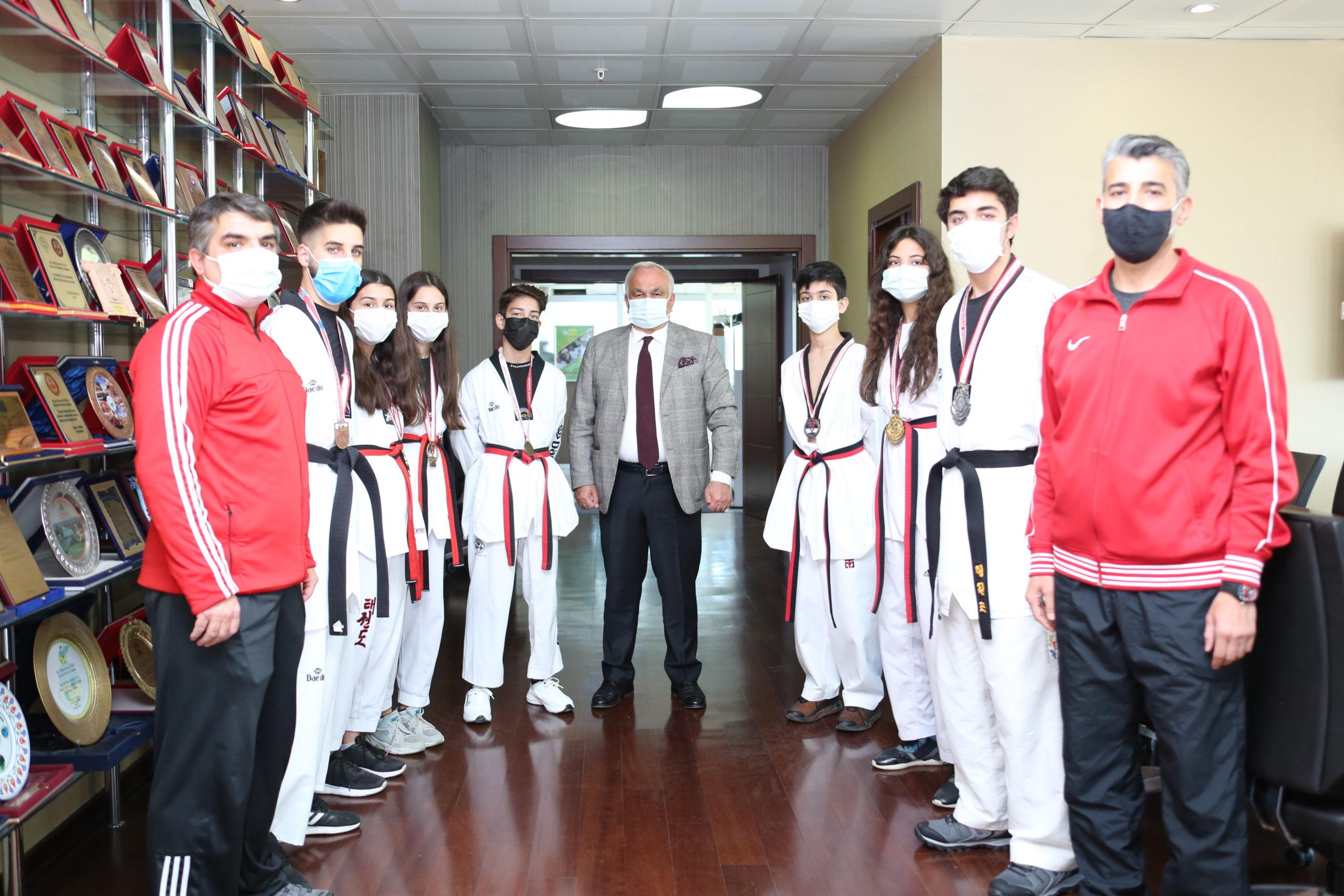 Başkan Tollu'dan Dünya Şampiyonasına Katılacak Sporculara Destek