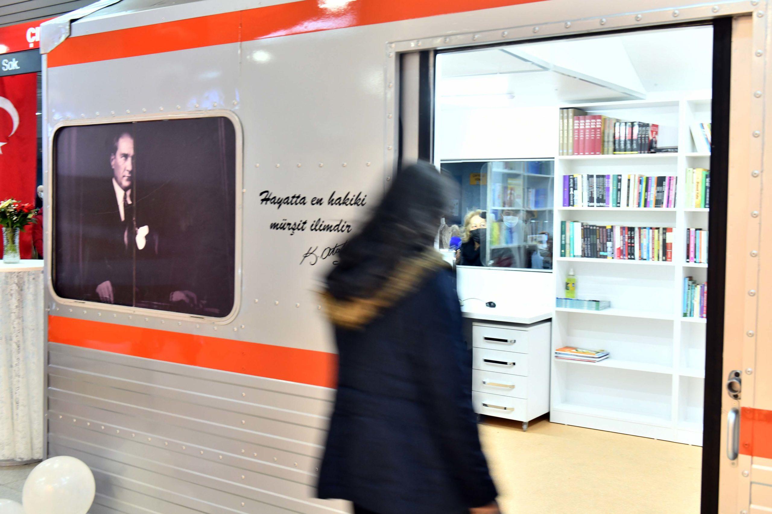 Ankara'da Artık Metro da Kütüphane