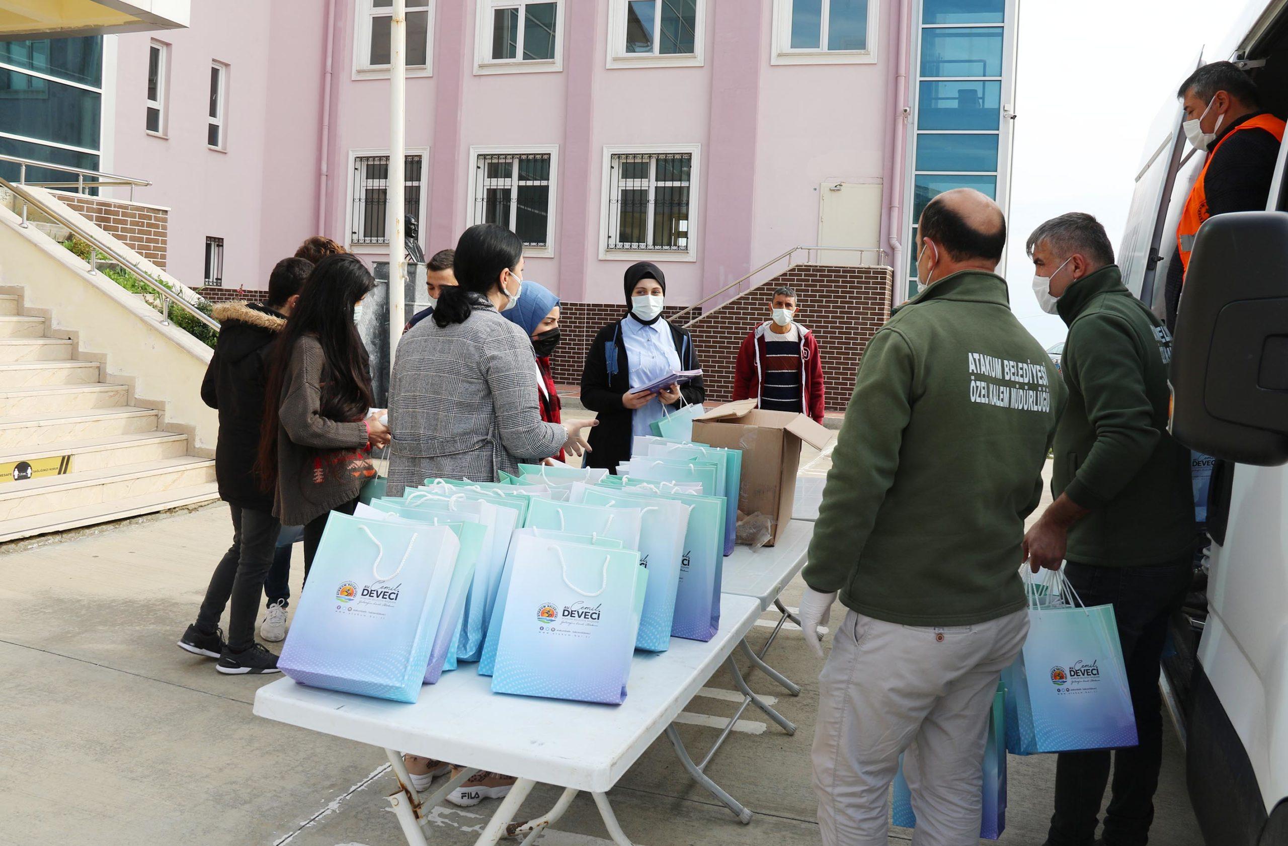 Atakum'da Öğrenciler Üniversiteye Belediye İle Hazırlanıyor
