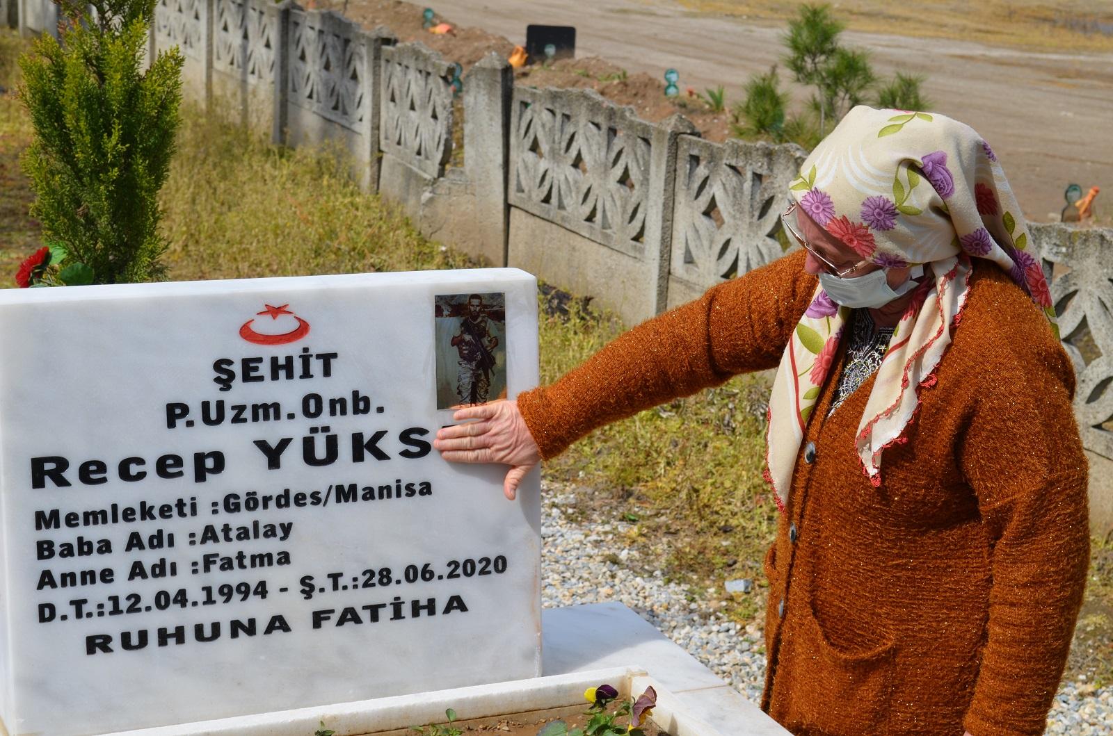 Ahmetli'de Çanakkale Zaferin'in 106. Yılında Şehitler Dualarla Anıldı