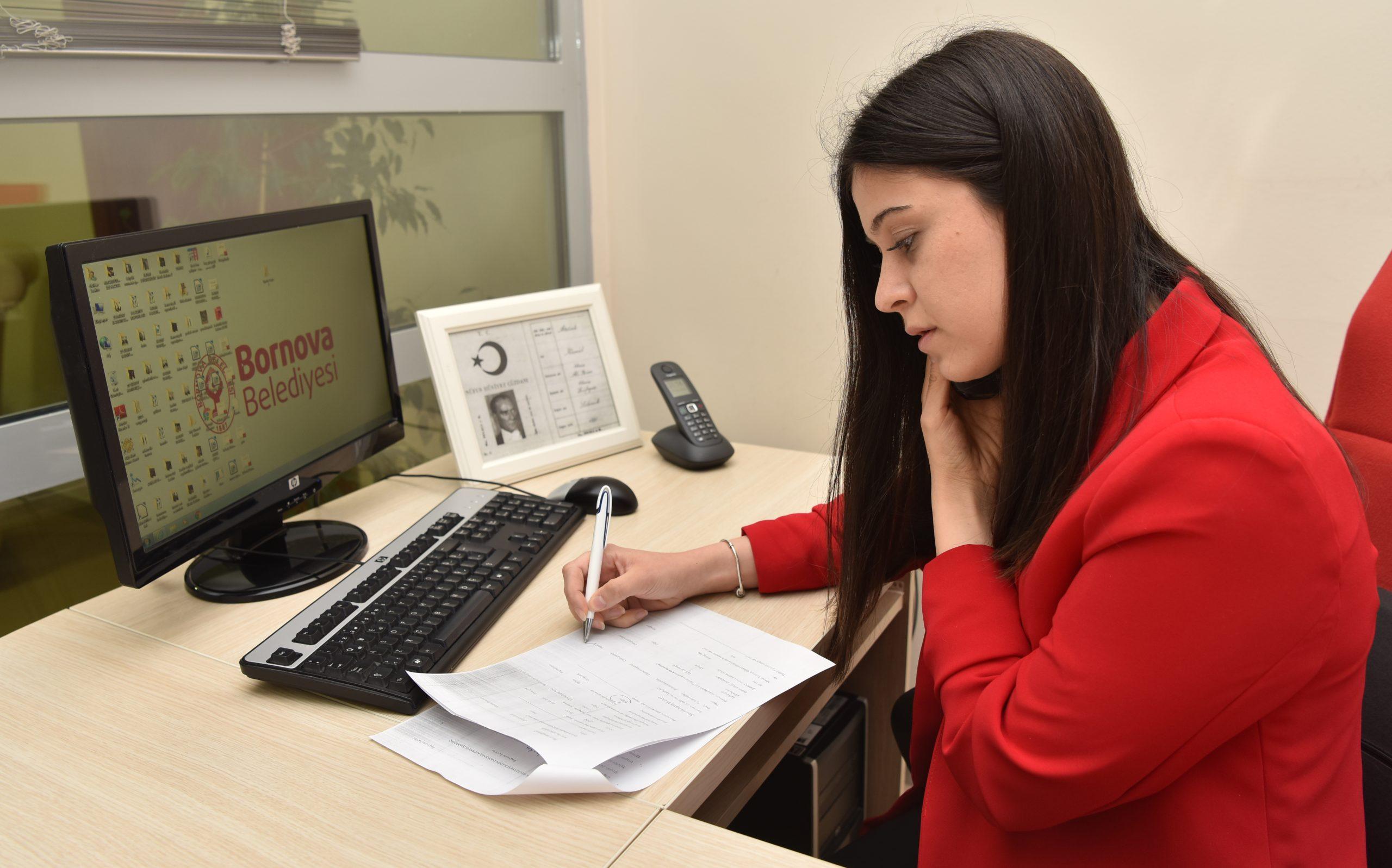 Bornova'da Vatandaşa Telefonla Psikolojik Destek Devam Ediyor