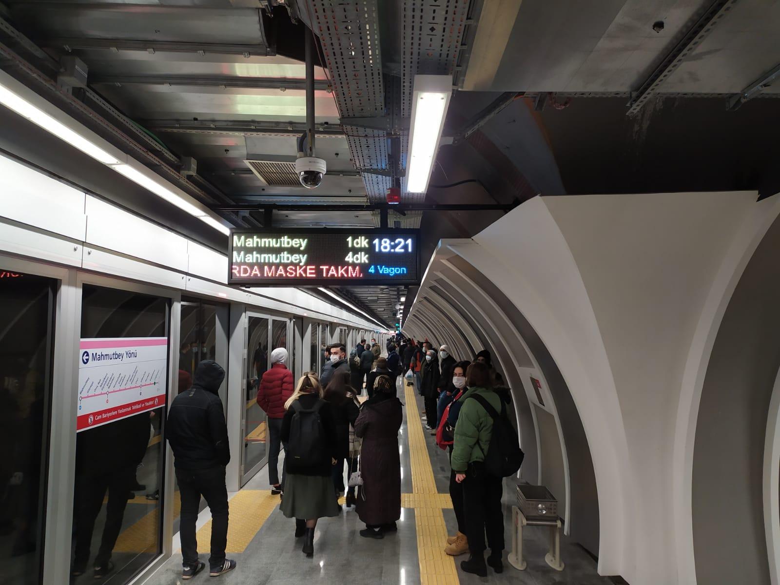 İstanbul'da İlk Sürücüsüz Metro 9 Milyon Yolcu Taşıdı