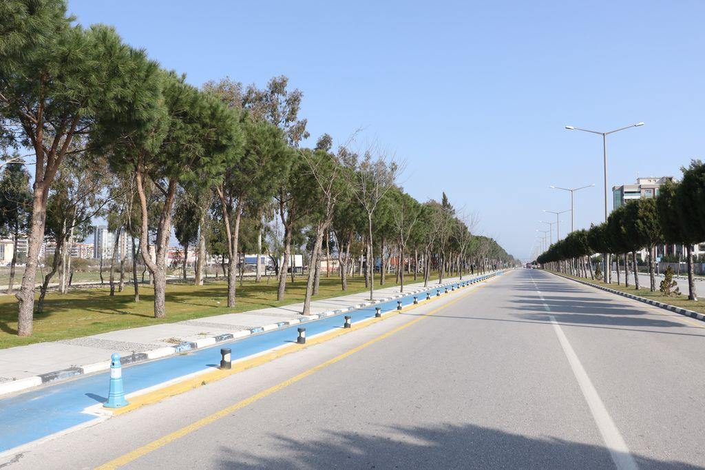 Manisa'ya Prestij Katan Yol ve Yeşil Alan Düzenlemeleri Devam Ediyor