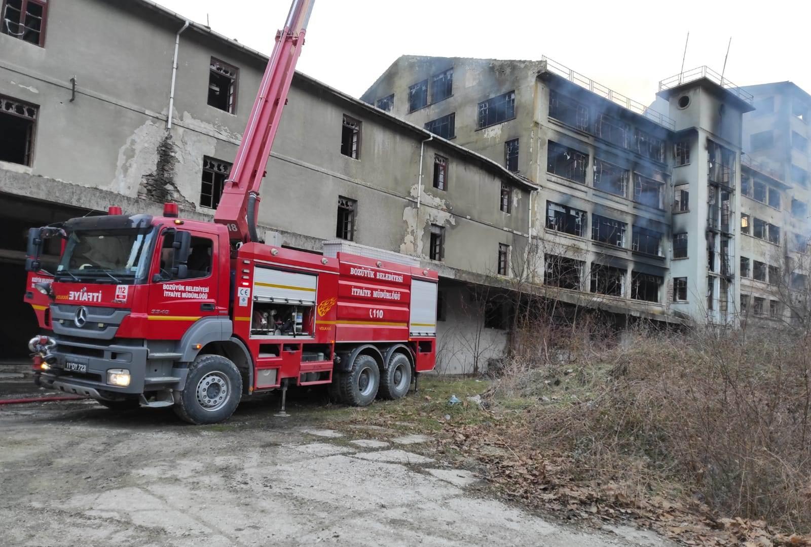Bozüyük'te Un Fabrikasındaki Yangın Söndürüldü