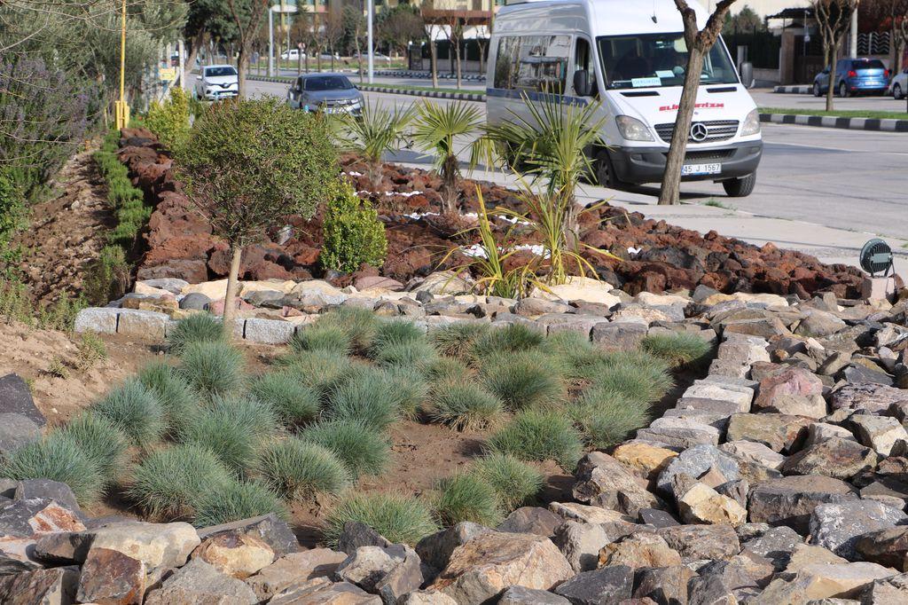 Yunusemre'de Bulunan 'Kaya Bahçesi' Vatandaşlardan Tam Not Aldı