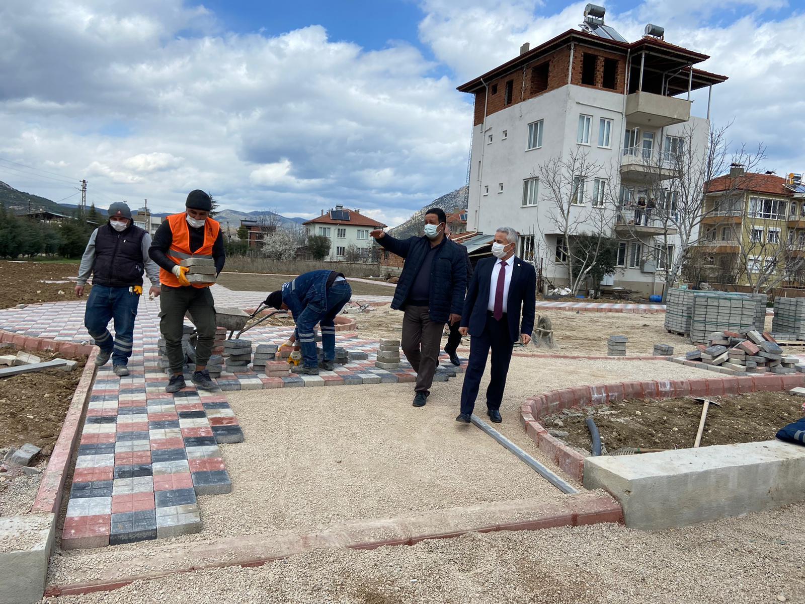 Hayırsever Şerife Atan'ın  Bağışladığı Arsa Bucak'ta Çocuk Parkı Oluyor