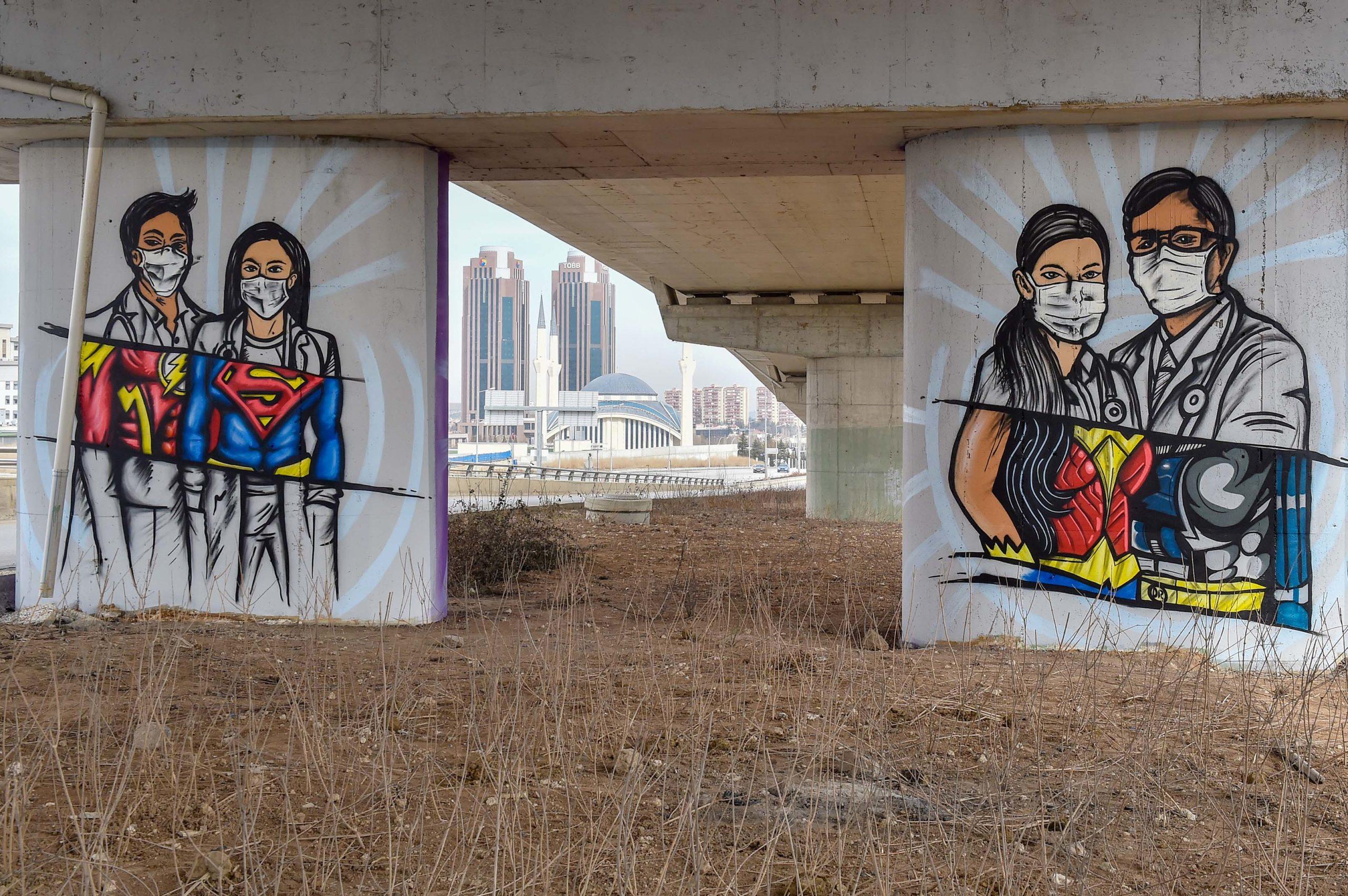 Ankara'da Sağlık Çalışanlarına Grafitili Vefa
