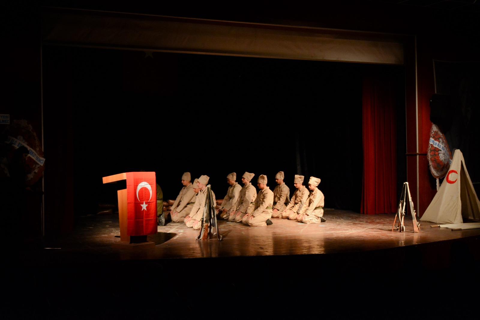 Çanakkale Şehitleri Sorgun'da 'Kınalı Hasan' Tiyatrosu ile Anıldı
