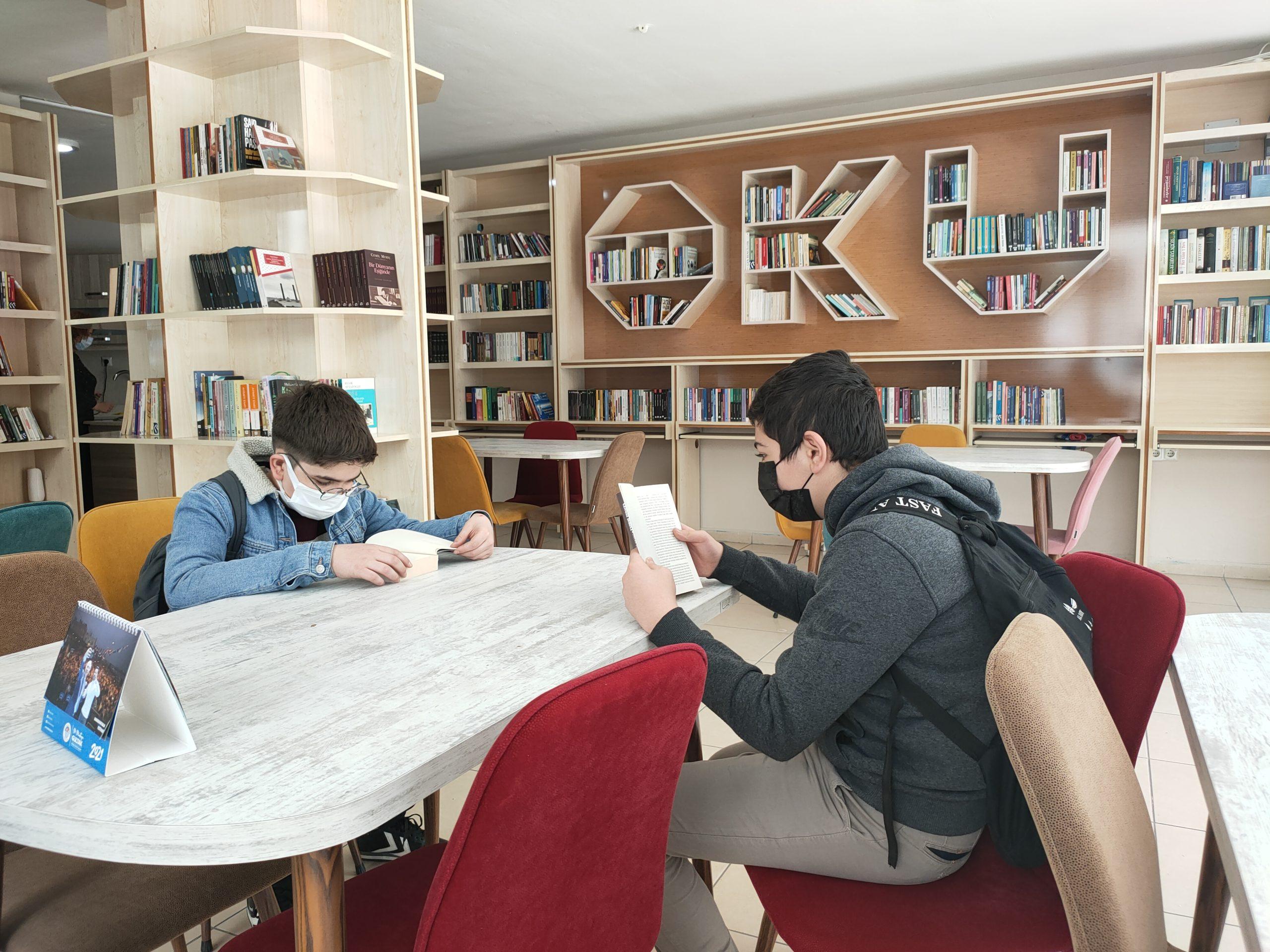 Akdeniz'de Kütüphaneler Haftası Kutlandı
