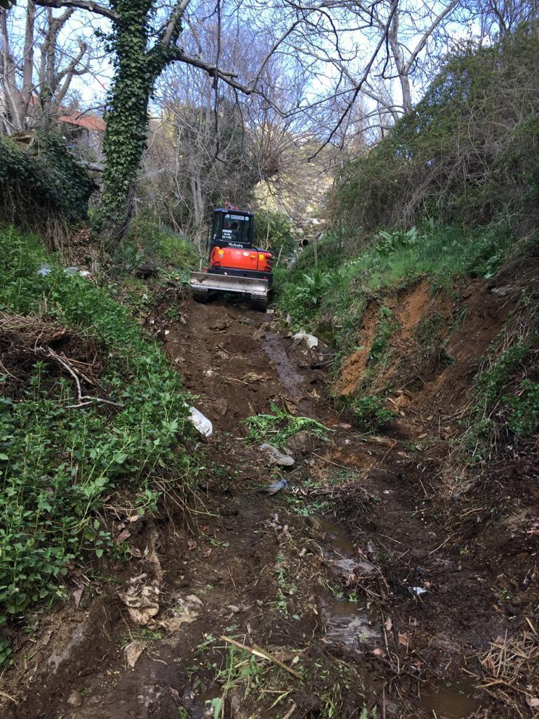 Milas'ta 2 Bin Metre Dere Temizliği Yapıldı