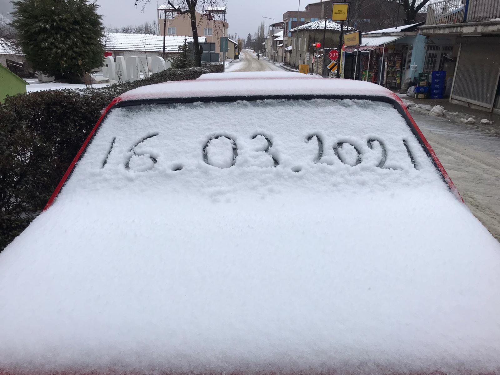 İzmir Ödemiş'te Belediye Ekipleri Kış Mücadelesinde
