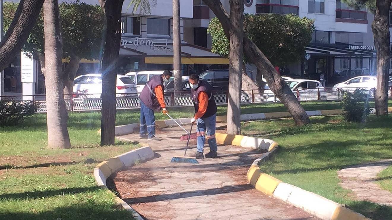 İskenderun'da Köşe Bucak Temizlik Yapılıyor