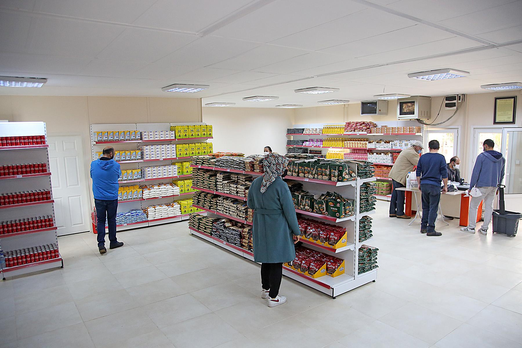 Ataşehir'de İkinci Sosyal Market De Hizmete Açıldı