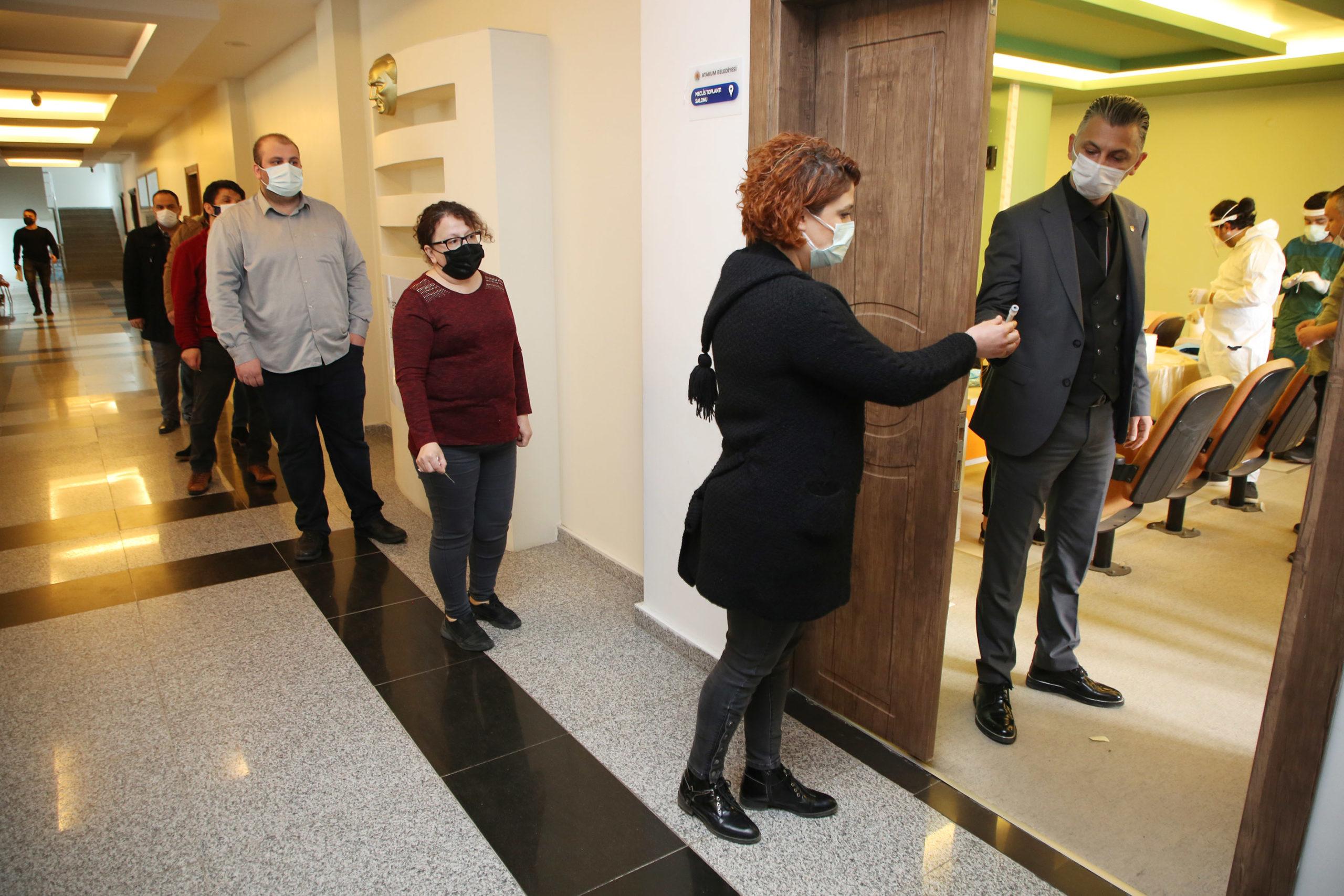 Atakum Belediyesi'nde Tüm Personele PCR Testi Yapıldı