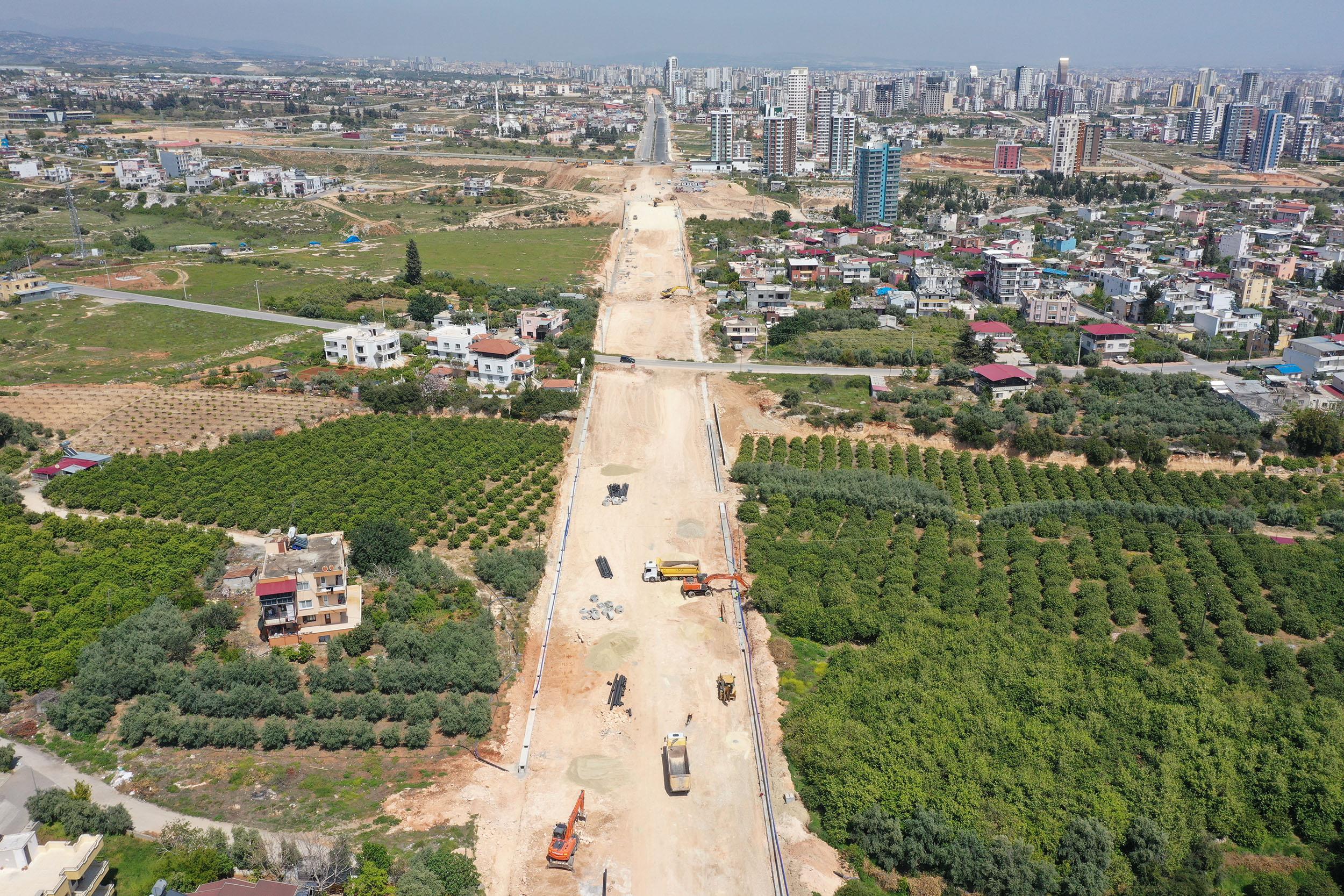 Mersin'de Yol Yenileme Çalışmaları Tüm Hızıyla Sürüyor