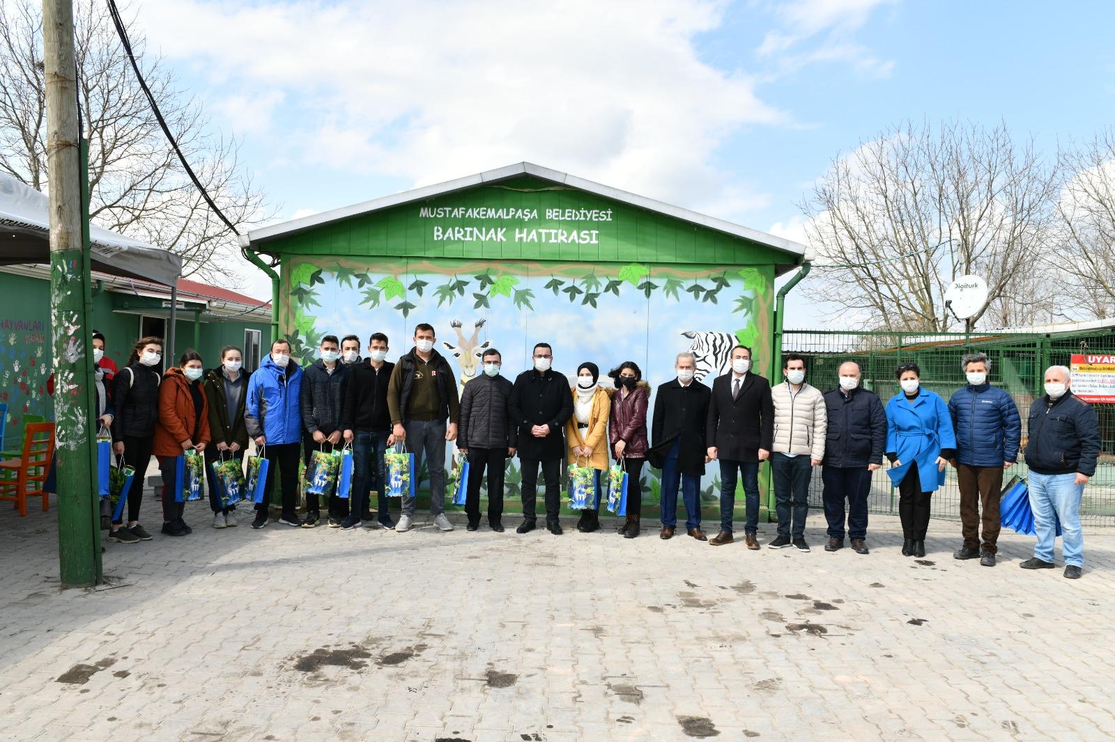 Mustafakemalpaşa Belediye Başkanı Kanar, Geleceğin Başkanları ile Buluştu