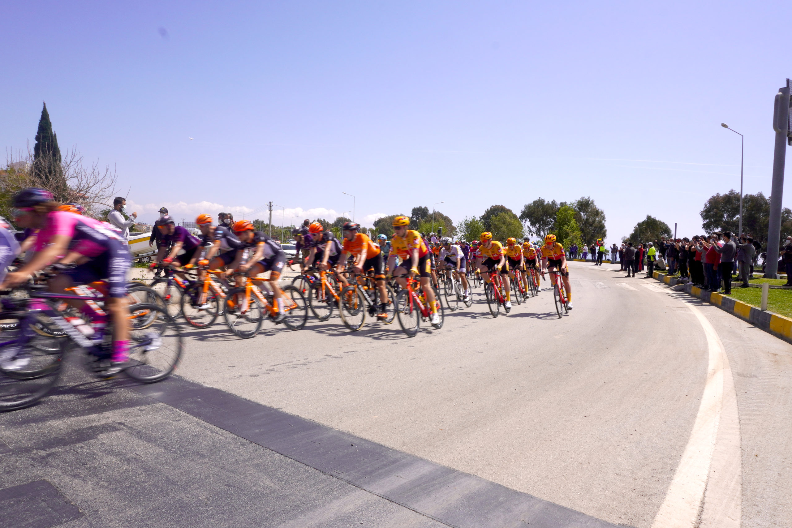 Cumhurbaşkanlığı Bisiklet Turu Finike İstikametinden Devam Etti