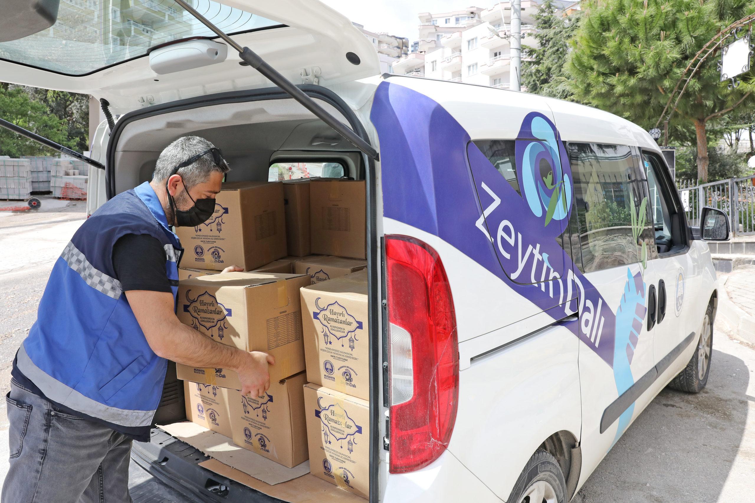 Mudanya'da Ramazan Paketleri İhtiyaç Sahiplerine Ulaşıyor