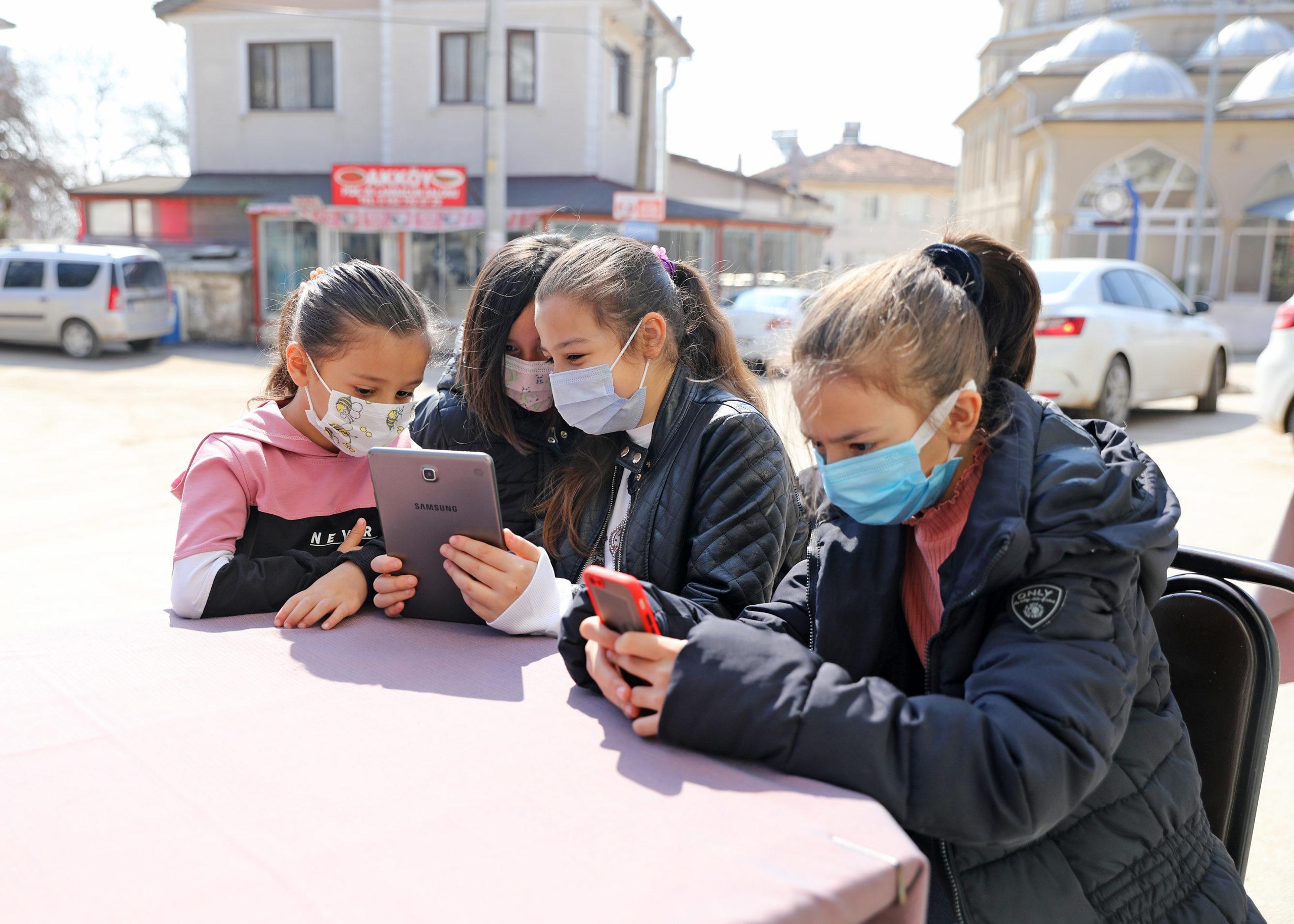 Mudanya'da Eşit Eğitim Ağı'yla Zorluklar Aşılıyor