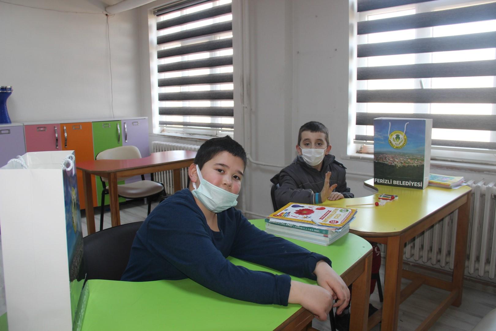 Ferizli'de Özel Eğitim Gören Öğrenciler Ziyaret Edildi