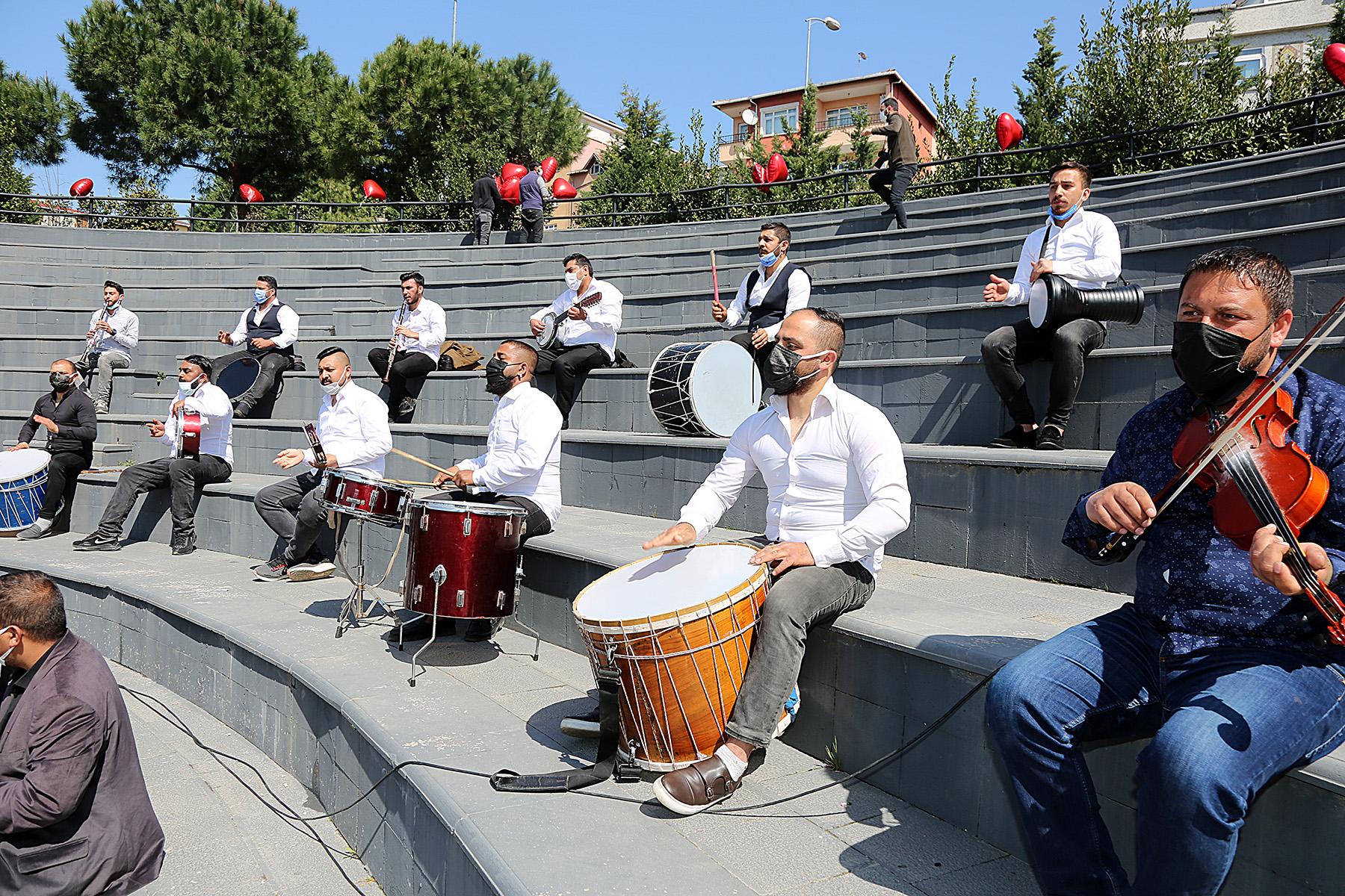 Ataşehir'de Dünya Romanlar Günü Kutlandı