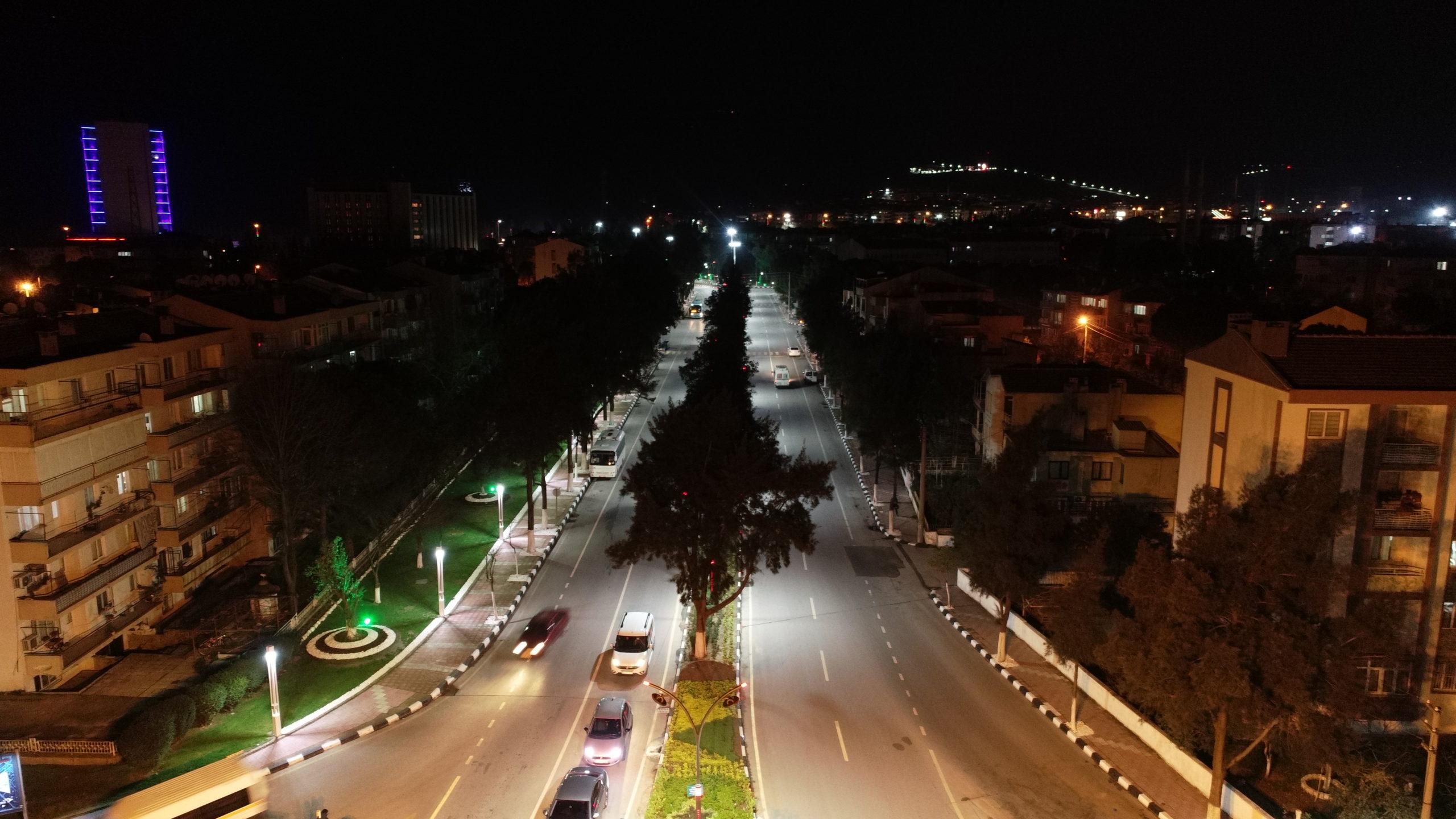 Manisa Nusret Köklü Caddesi'nde Köklü Değişim