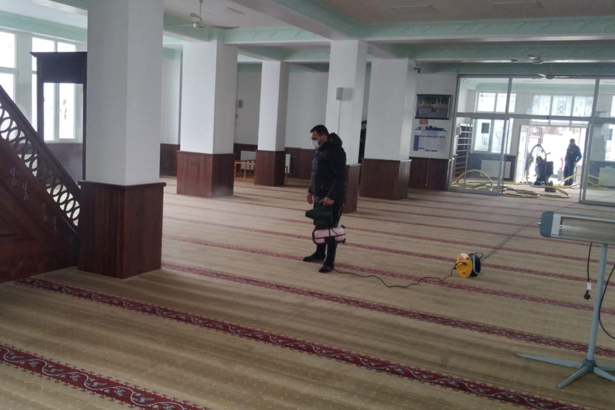 Çınarcık'ta Ramazan Öncesi Camiler Temizleniyor