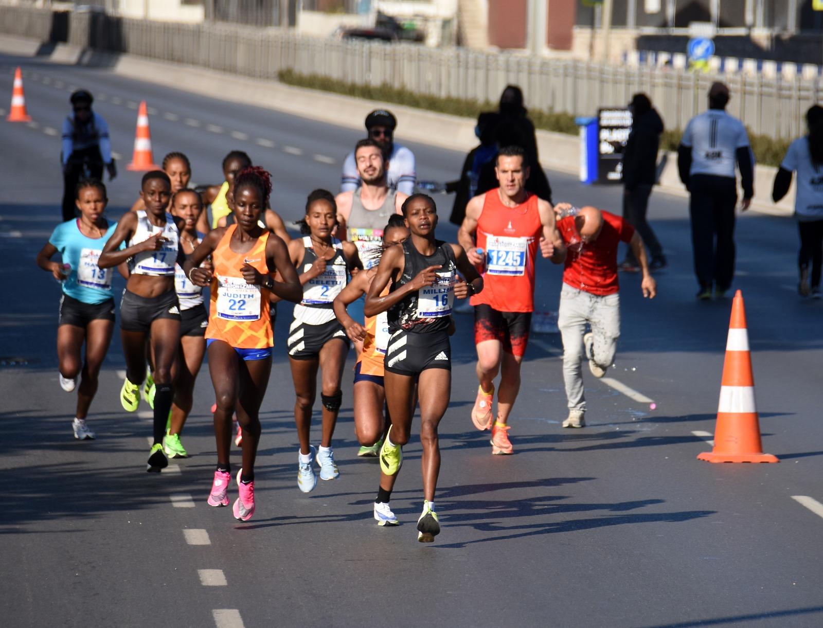 Maraton İzmir Tarihe Geçti