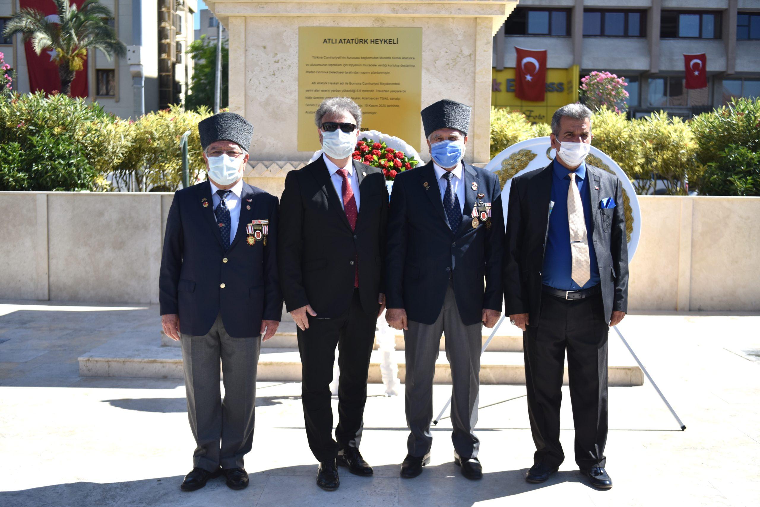 Bornova'da Şehit Babası ve Kıbrıs Gazisi'ne Babalar Günü Ziyareti