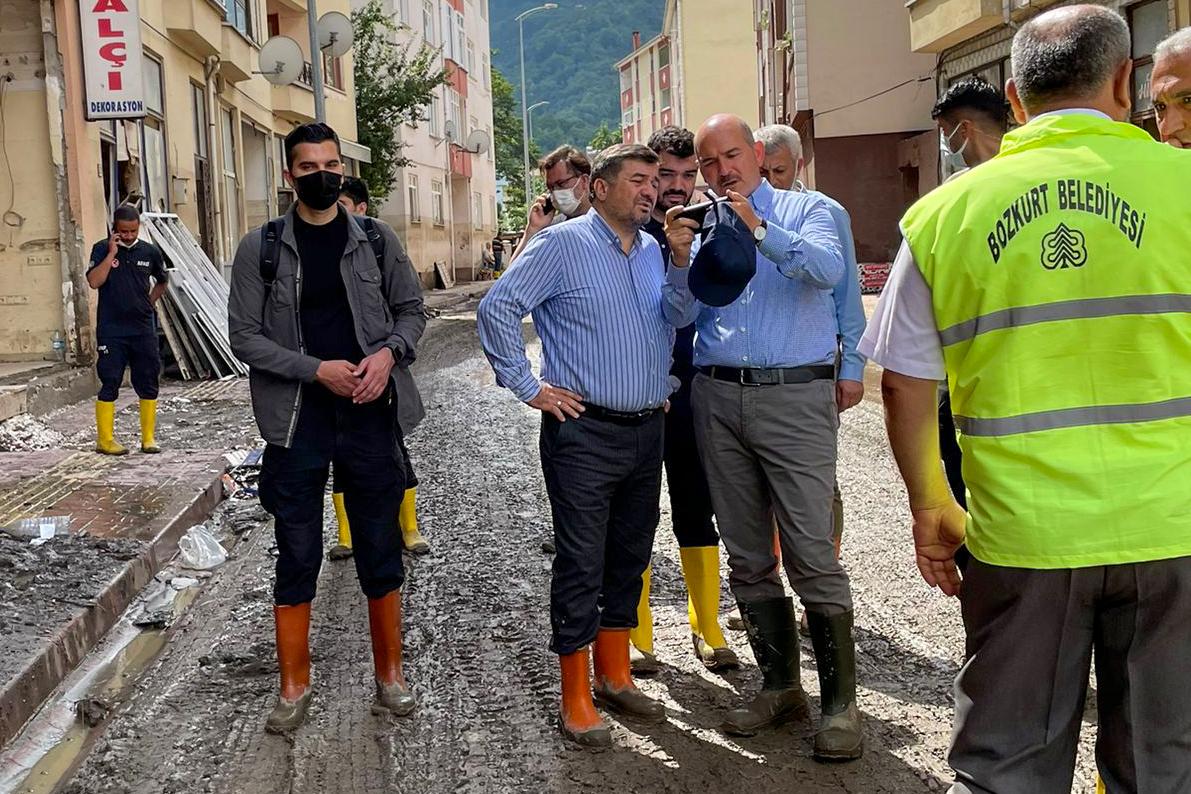 Giresun Belediye Başkanı Şenlikoğlu, Sel Bölgesi Kastamonu'yu Ziyaret Etti