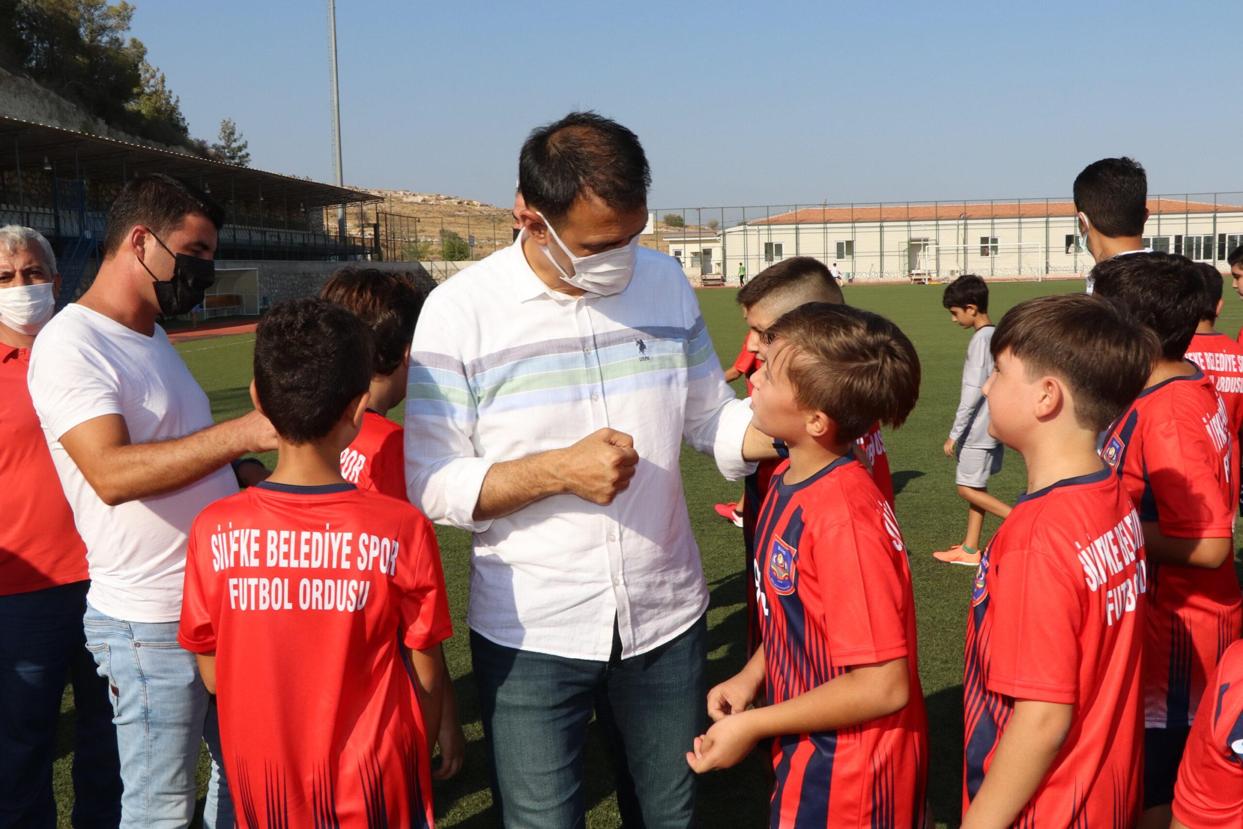 Silifke Belediye Başkanı Altunok; 'Geleceğin sporcularını yetiştiriyoruz'