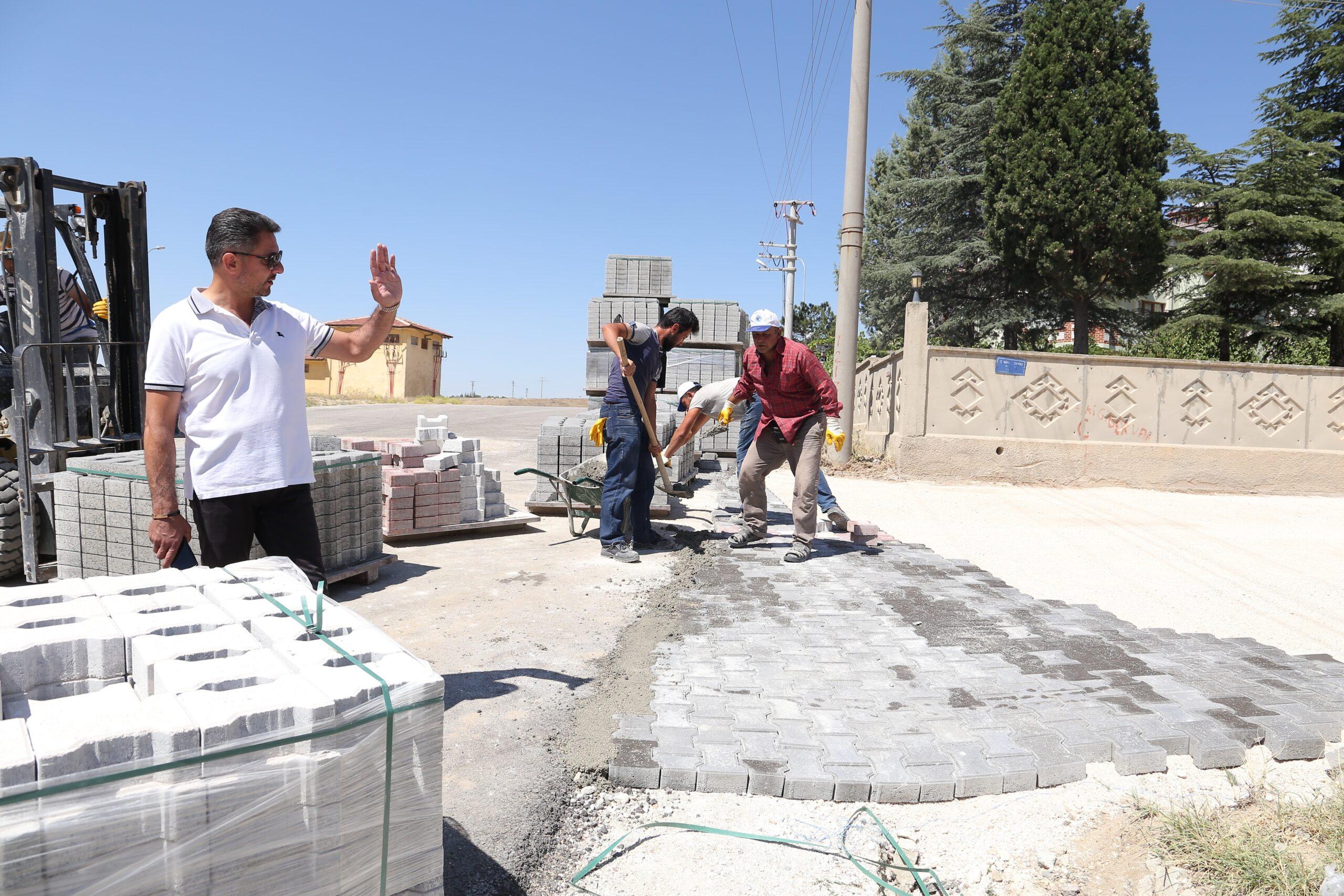 Sivrihisar Belediyesi, İlçenin Dört Bir Yanında Çalışmalar Yapıyor