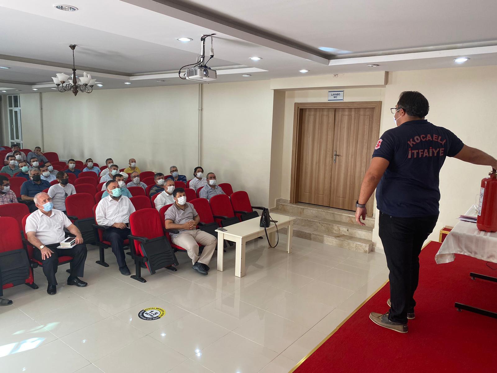 Kocaeli İtfaiyesi'nden Din Görevlilerine Yangın Eğitimi