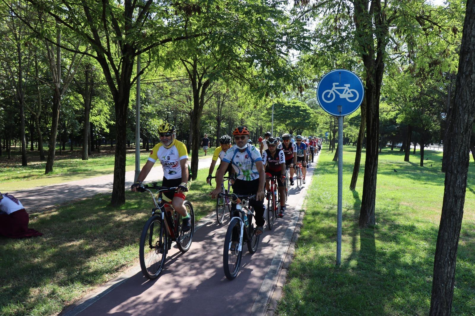 İzmit Belediyesi, Cengiz Anaç Anısına Bisiklet Turu Düzenledi
