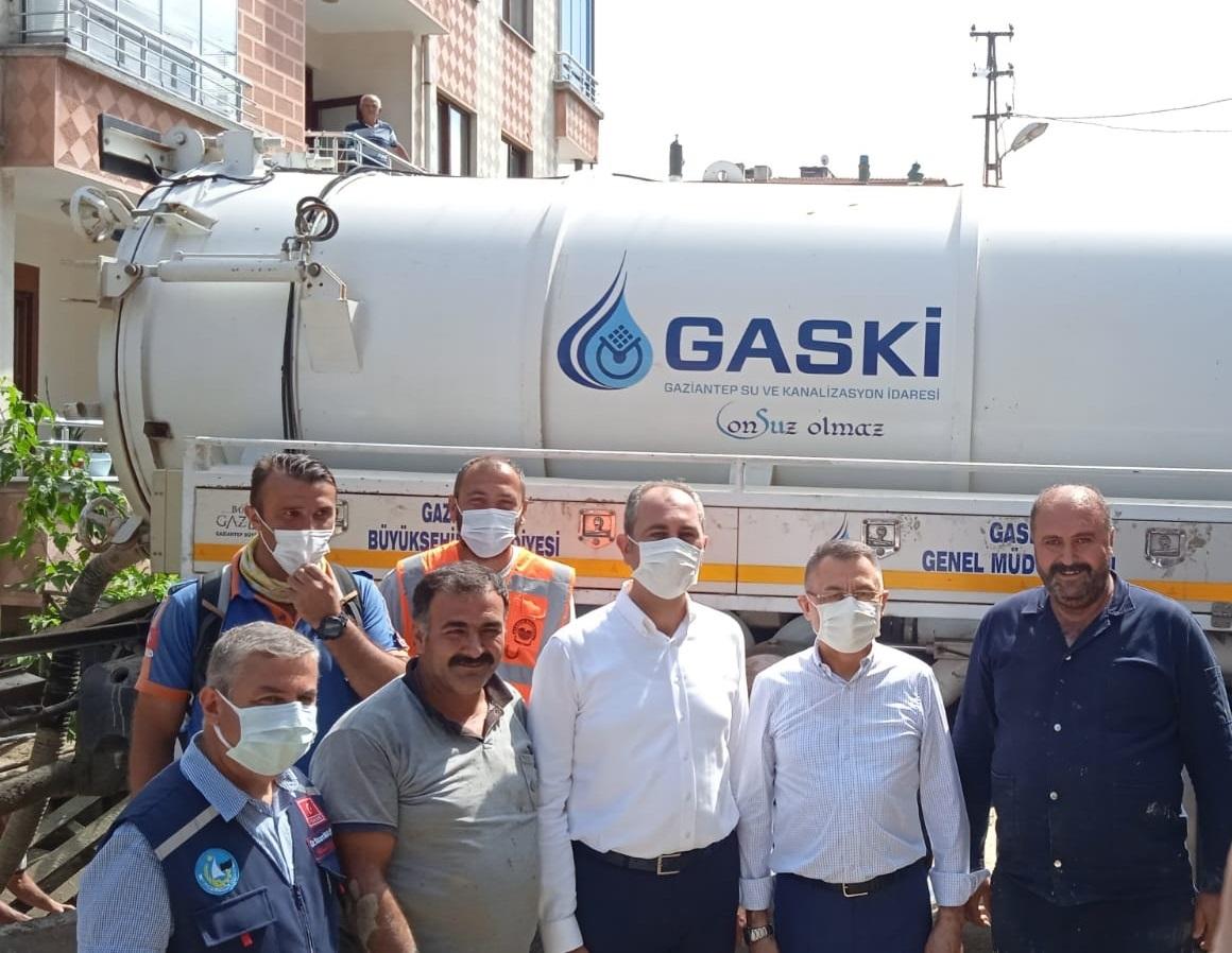 Gaziantep Büyükşehir Ekiplerine, Cumhurbaşkanı Yardımcısı Oktay ve Adalet Bakanı Gül'den Ziyaret