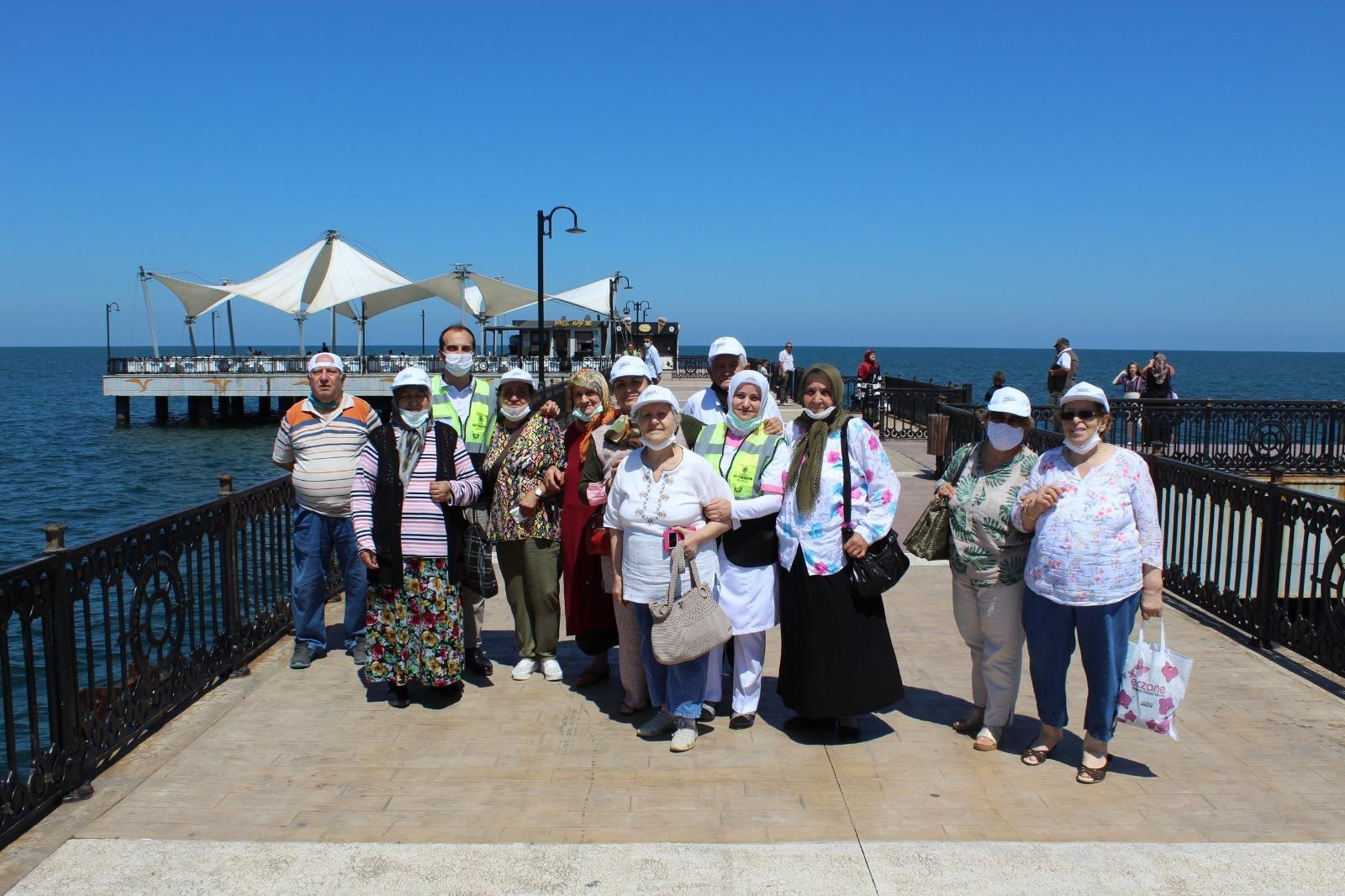 Samsun Büyükşehir, 65 Yaş Üstü 35 Kişiye Normalleşme Turu Düzenledi