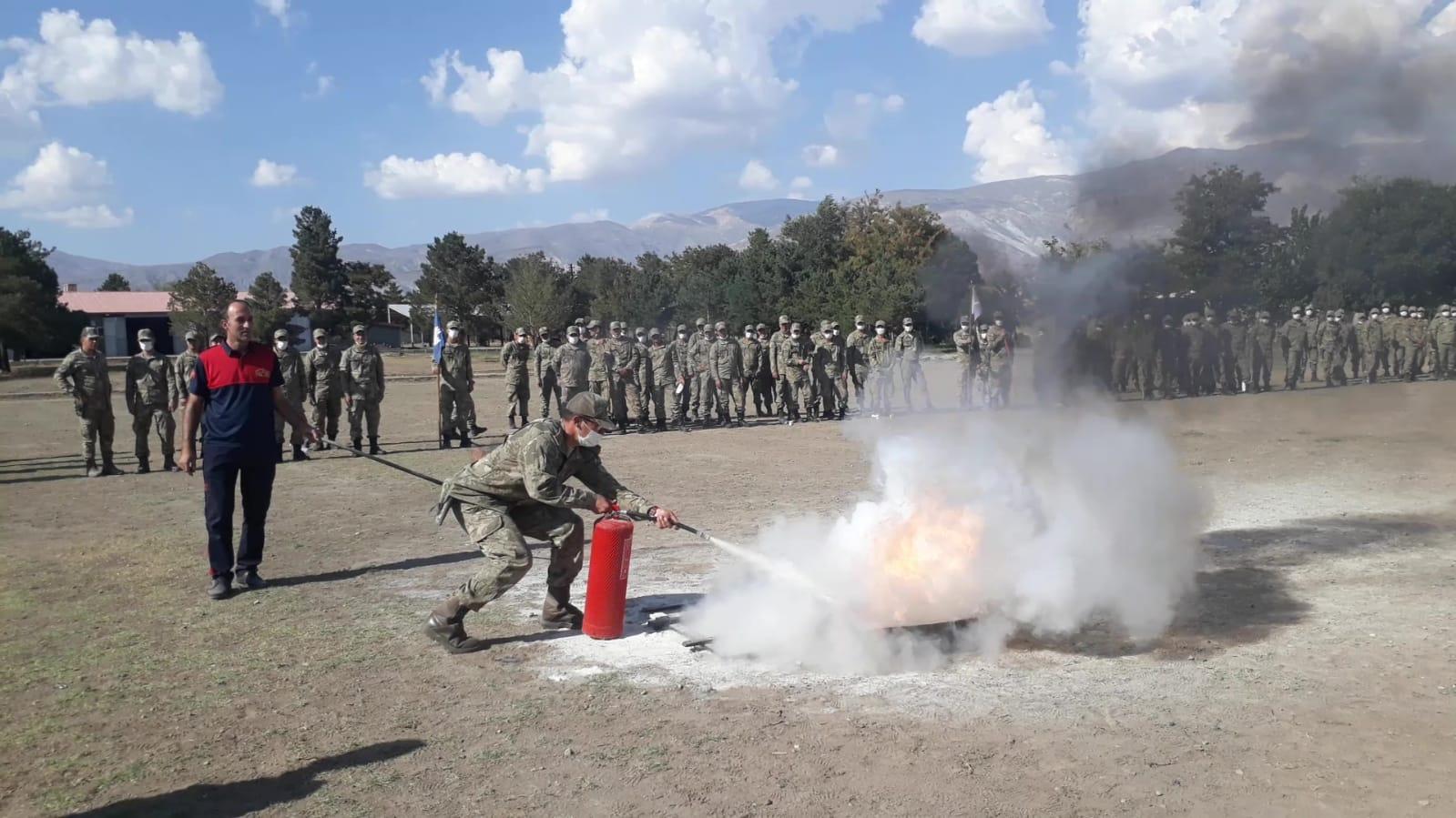 Erzincan Belediyesi İtfaiye Müdürlüğü, Yangın Eğitim ve Tatbikatı Yaptı