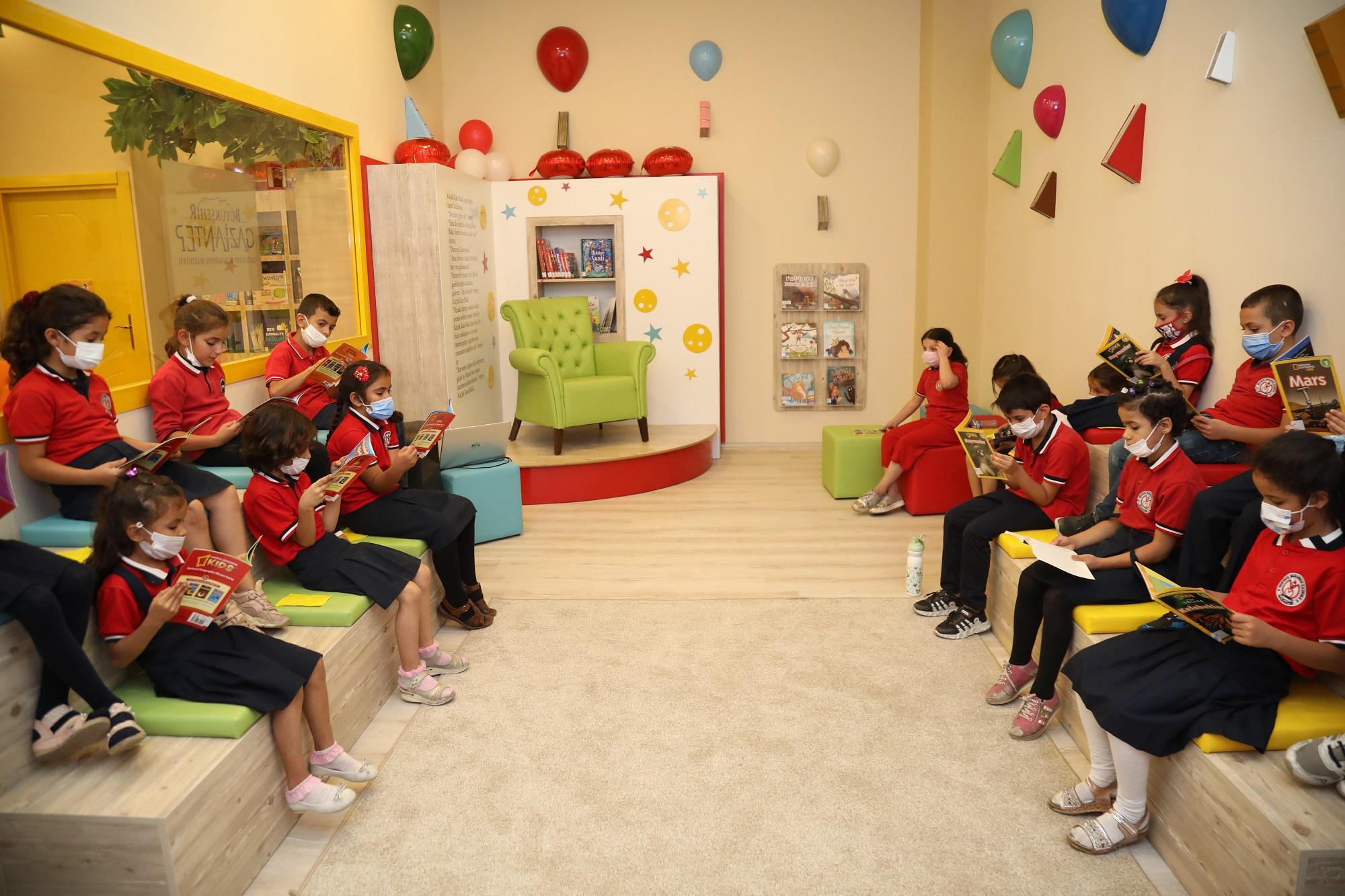 Gaziantep Büyükşehir, AVM'de Açtığı Çocuk Kütüphanesiyle Bir İlke İmza Attı