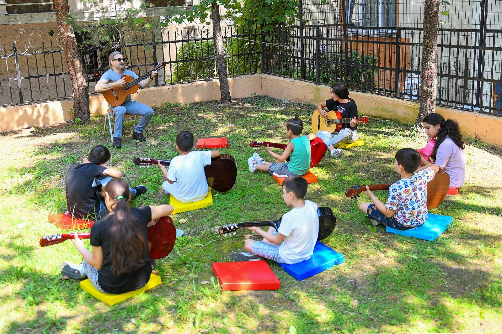 Esenyurt Belediyesi'nde Çocuklar, Kültür Akademisi ile Müzik Yapıyor
