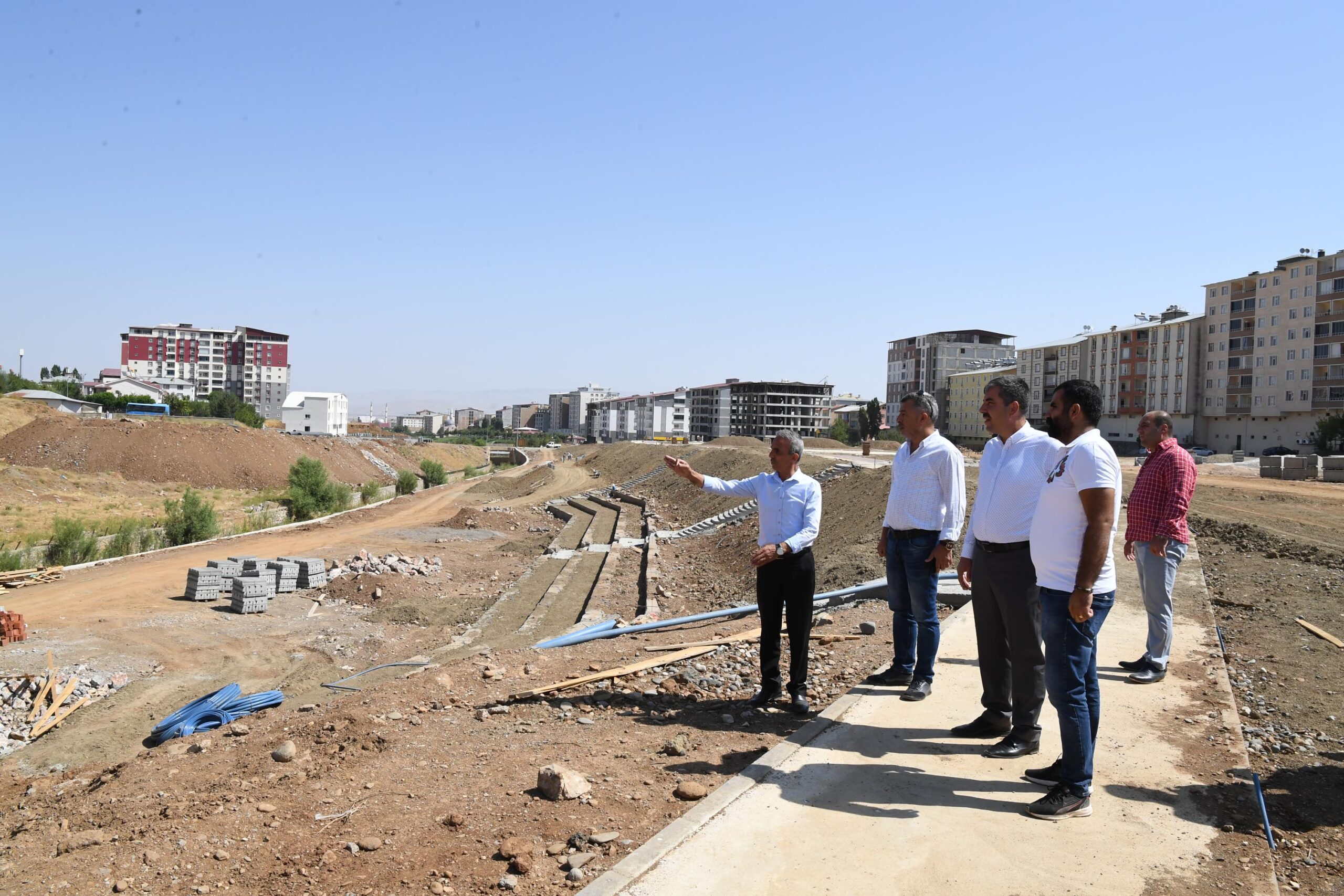 Muş Belediyesi, Peyzaj Projeleriyle Şehre Nefes Aldırıyor