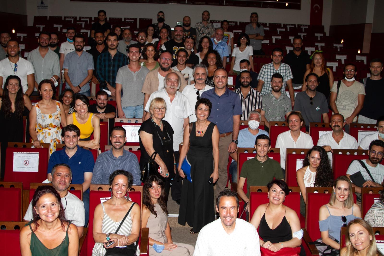 İzmir Büyükşehir Şehir Tiyatroları'nda İlk Buluşma Gerçekleşti