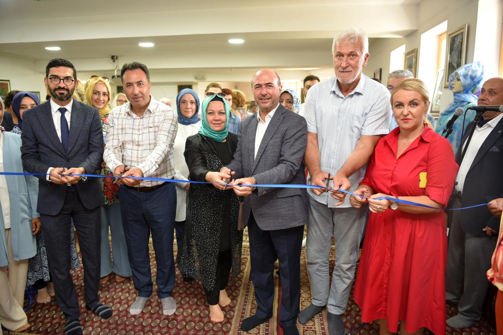 Selçuklu Belediyesi'nin Katkılarıyla Saray Bosna'da Sergi Heyecanı Yaşandı