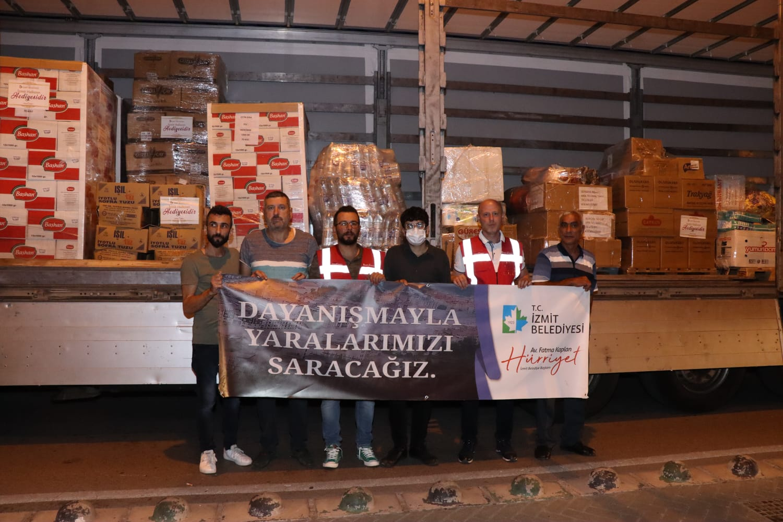 İzmit Belediyesi, Bartın ve Sinop'a Yardım Tırı Gönderdi