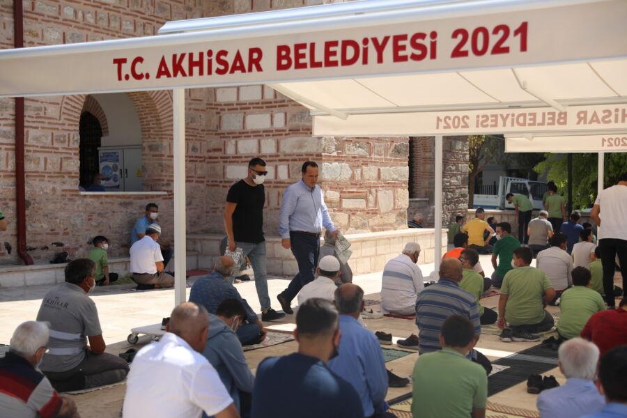 Akhisar Belediyesi Tarihi Camiye Tente Monte Etti