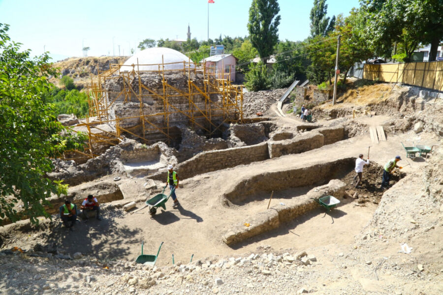 Elazığ Belediyesi, Tarihi Hoca Hasan Hamamını Restore Ediyor